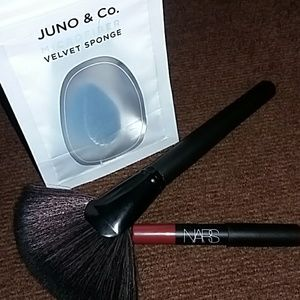 Juno Velvet Sponge NARS Mini lippiexContour Brush